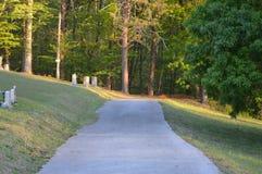 Extremidade da estrada do cemitério Imagens de Stock Royalty Free