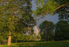 Extremo del crisol de oro del leprechaun de Rainbow Fotografía de archivo libre de regalías