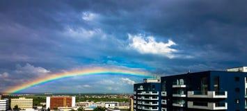 Extremo del crisol de oro del leprechaun de Rainbow Imagenes de archivo