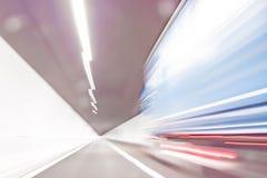 Extremt defocused och suddig bild av en tunnel royaltyfri bild