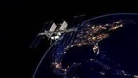 Extremt detaljerad och realistisk hög bild för upplösning 3D av ISS - internationella rymdstationen som kretsar kring jord Skott  Fotografering för Bildbyråer