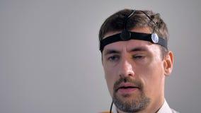Extremt slut upp av mannen som gör en lögndetektor att testa 4K arkivfilmer