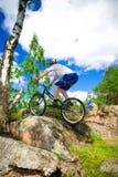 extremt trick för cykel Arkivbilder