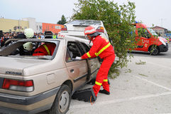 Extrication and paramedic in action Royalty Free Stock Photos
