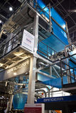 Extrusora do azul de Bandera! Sseldorf justo do ¼ dos plásticos K DÃ Fotografia de Stock Royalty Free