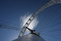 The Eye. Looking up from the base of the london eye Royalty Free Stock Photos