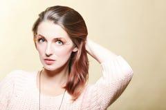Eye-lashes dei capelli di colore marrone di fascino della ragazza della donna di autunno Immagine Stock Libera da Diritti