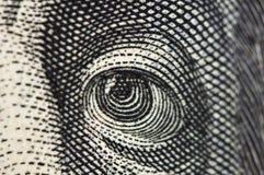 Eye na cédula do dólar EUA, macro Fotos de Stock Royalty Free