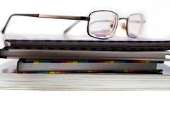 eyeglasses βιβλίων Στοκ φωτογραφία με δικαίωμα ελεύθερης χρήσης