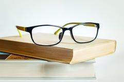 Eyeglasses και βιβλία ανάγνωσης Στοκ Εικόνα