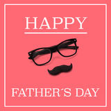 Eyeglasses and moustache, and the text happy fathers day Royalty Free Stock Image