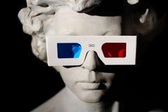 Eyeglasses na rzeźbie Fotografia Royalty Free