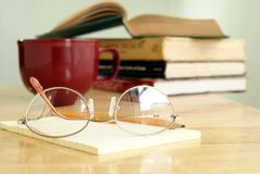 Eyeglasses On Notepad Royalty Free Stock Photography