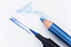Eyeliner blu una matita fotografia stock