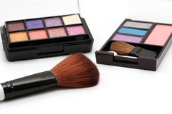 Eyeshadow and powder Royalty Free Stock Photography