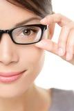 Eyewear玻璃妇女特写镜头纵向 免版税库存照片