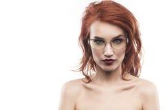 Eyewear玻璃在白色隔绝的妇女画象 图库摄影