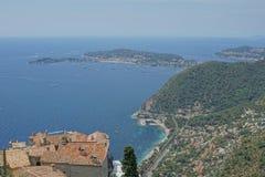 Eze,法国-海和大厦看法  免版税库存图片