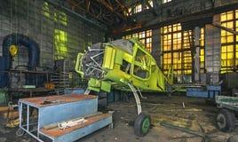 Fábrica abandonada da aviação de aviões pequenos Fotos de Stock Royalty Free