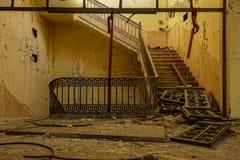 Fábrica abandonada do cigarro em Tarragona, Espanha imagem de stock