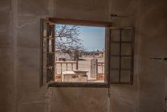 Fábrica abandonada en el pueblo fantasma de Humberstone en Chile septentrional Foto de archivo libre de regalías