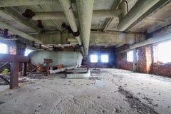 Fábrica abandonada más allá del círculo polar Fotografía de archivo