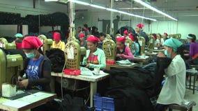 Fábrica asiática da indústria de vestuário: WS Pan Workers lento filme