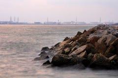 Fábrica cerca del mar Imagen de archivo