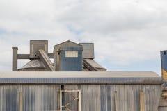 Fábrica da construção industrial com estrutura imagem de stock