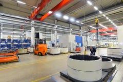 Fábrica da engenharia mecânica moderna - produção de caixa de engrenagens foto de stock
