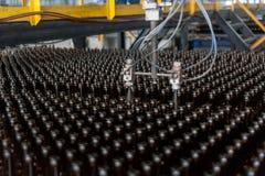 Fábrica da garrafa de vidro em Tyumen Rússia Foto de Stock Royalty Free