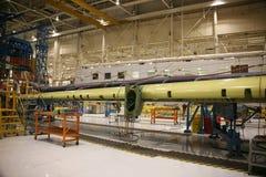 Fábrica da produção do avião imagem de stock royalty free