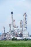 Fábrica da refinaria de petróleo Fotos de Stock Royalty Free