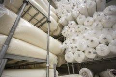 Fábrica de la materia textil y de la tela fotos de archivo libres de regalías