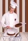 Fábrica de la torta de chocolate Foto de archivo libre de regalías
