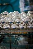 Fábrica de las bolas de la Navidad: deshecho Fotos de archivo libres de regalías
