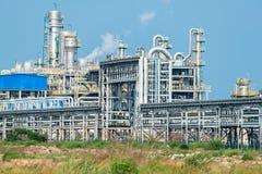 Fábrica de processamento do gás paisagem com indústria do gás Foto de Stock Royalty Free