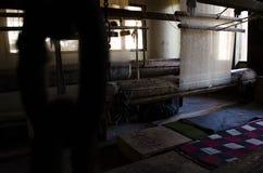 Fábrica del mantón en Cachemira Imágenes de archivo libres de regalías