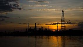 Fábrica del producto químico y del petróleo Lapso de tiempo almacen de metraje de vídeo
