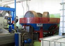 Fábrica do petróleo de Olivie em Italy Imagens de Stock Royalty Free