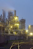 Fábrica do produto químico e do petróleo Imagem de Stock Royalty Free