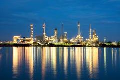 Fábrica do produto químico e do petróleo Imagens de Stock Royalty Free