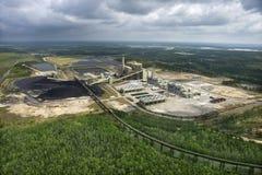 Fábrica do transporte de carvão. Fotos de Stock Royalty Free