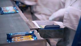 Fábrica dos doces, linha de produção de chocolates filme