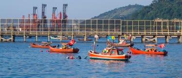Fábrica e pesca industriais Fotografia de Stock Royalty Free