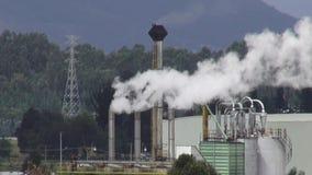 Fábrica, fabricação, industrial, poluição video estoque