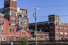 Fábrica industrial abandonada - I urbano de la desolación, llevado, rota y olvidado Imágenes de archivo libres de regalías