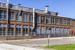 Fábrica industrial abandonada - V urbano de la desolación, llevado, rota y olvidado Imagen de archivo libre de regalías