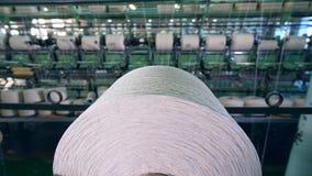 Fábrica industrial de la materia textil 4K almacen de metraje de vídeo