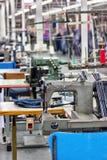Fábrica industrial de matéria têxtil fotos de stock royalty free